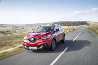 Renault Kadjar driving on the road