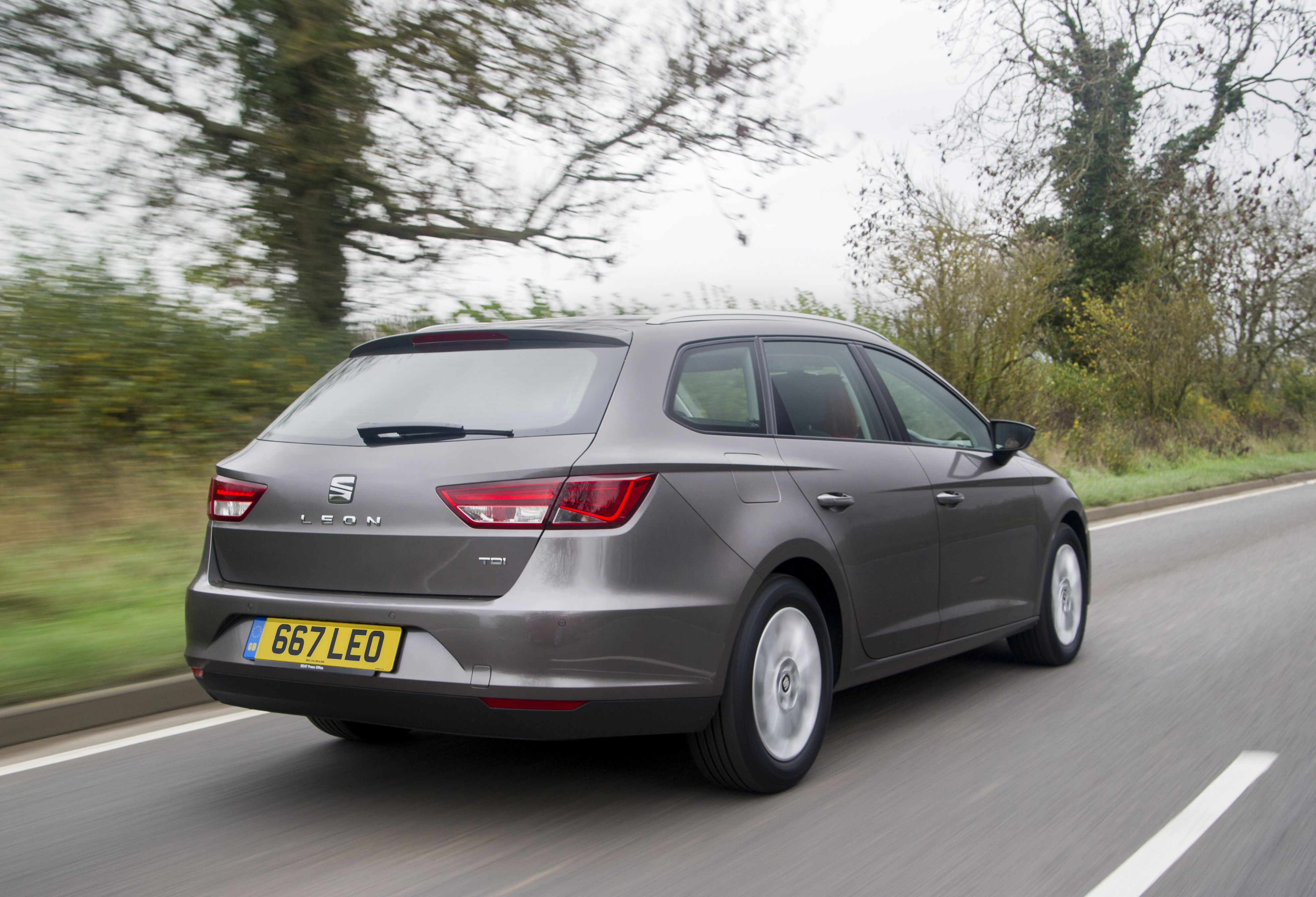 Seat Leon ST estate car in grey from rear