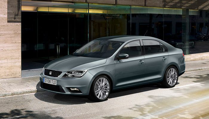 SEAT Toledo in grey parked on road