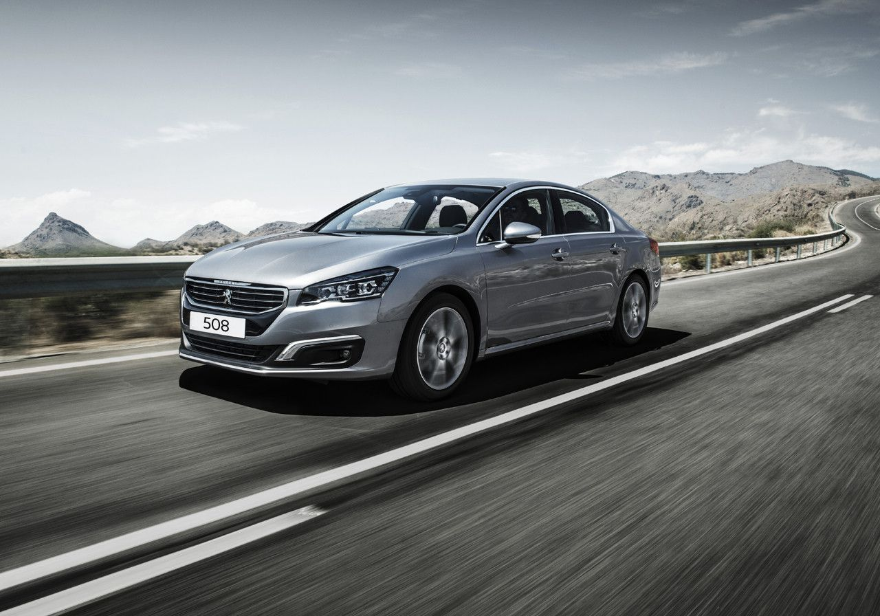 Peugeot 508 in silver on road