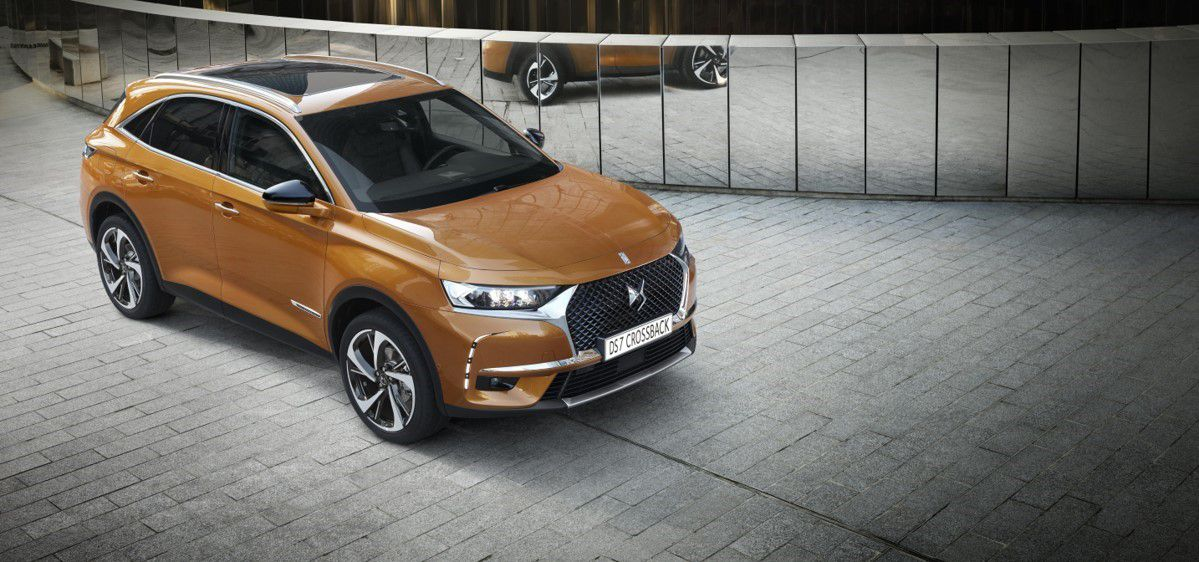DS7 Crossback in brown orange new car coming in January 2018