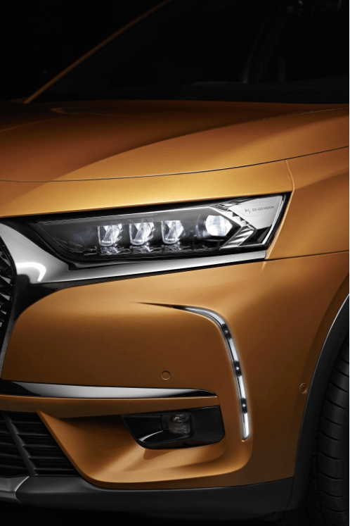 LED headlights on the new DS 7 Crossback